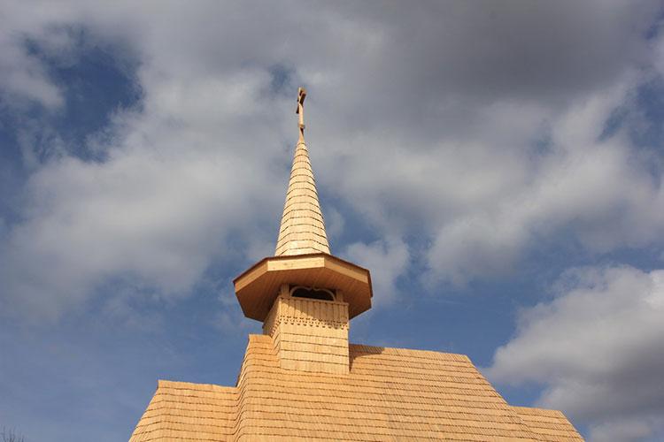 церковь из гонта
