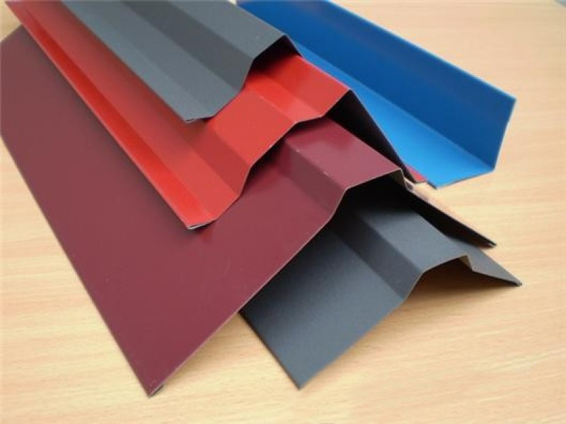 Доборные элементы разных цветов