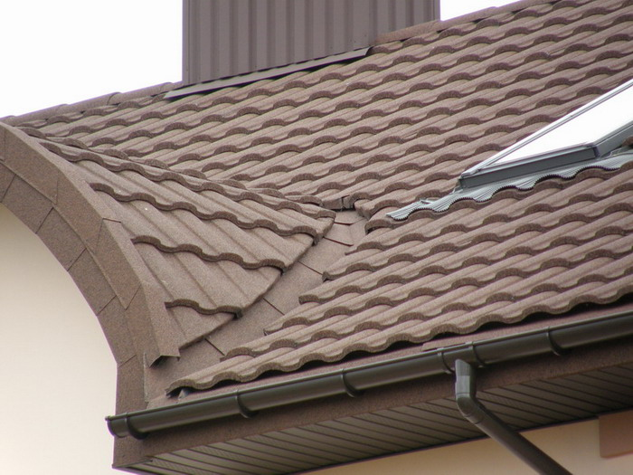Крыша коричневого цвета