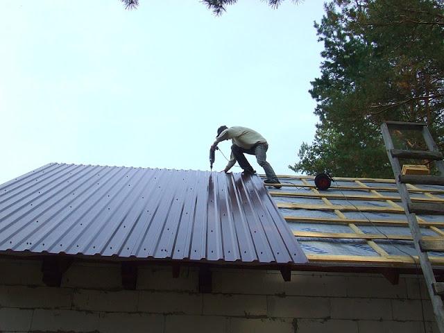 Фиксация листа на крыше